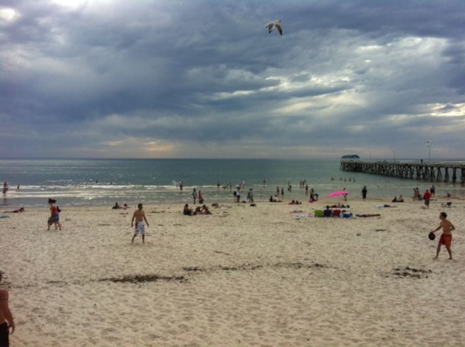 Henley Beach jetty is right in front of Henley Beach square where there are restaurants and cafes.