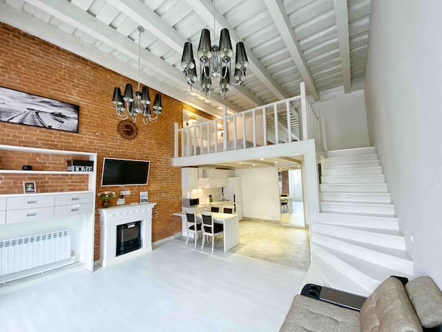 Stay at Arbat street in luxury loft