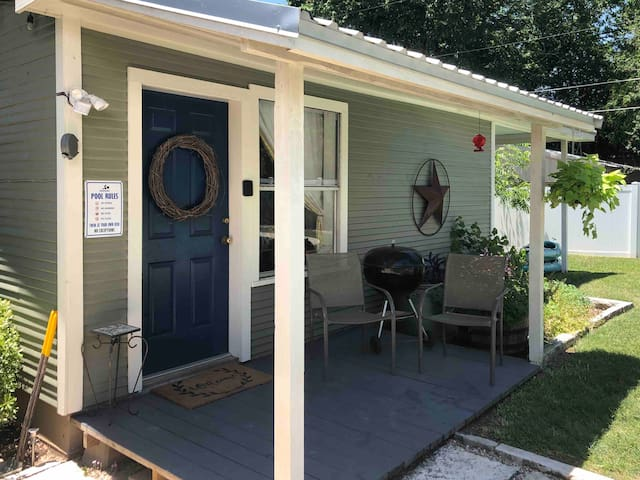 Cottage w/ Pool in Historic Downtown