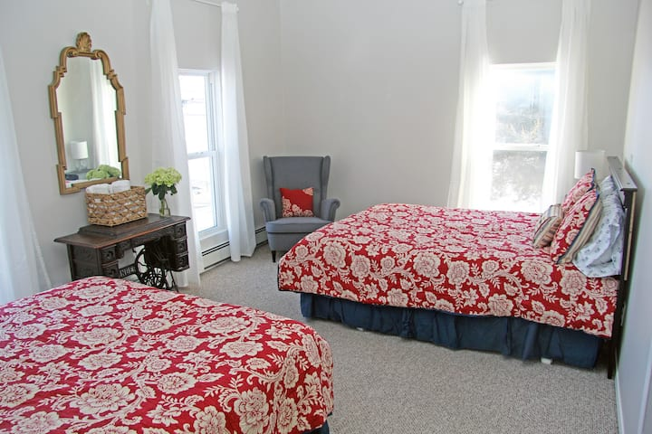Blue Moose Bed & Breakfast - Room 5