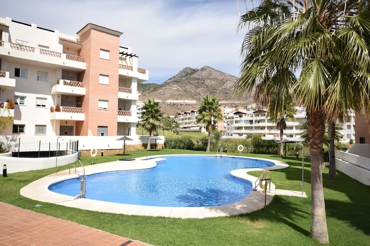 Comfortable apartment on the golf course, near the beach and activities