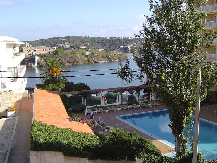Magnificas vistas del puerto de Mahon desde la terraza y el dormitorio