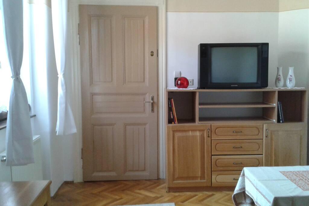 Zimmer für 2 Personen mit Schlafcouch, Badewanne und WC