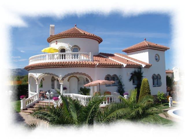 Freistehendes Ferienhaus mit Pool - Miami Platja - House