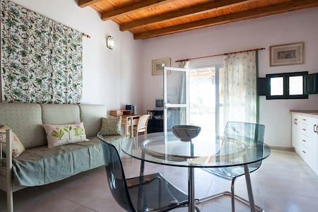 Newly Renovated Apartment - Níjar