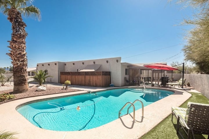Beautiful Havasu Home with Pool/Backyard Oasis!