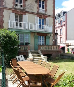 Top 20 b b et chambres d 39 h tes houlgate airbnb for Chambre hote houlgate