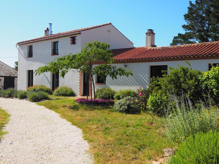 Belle villa avec maison annexe à 15mn de la mer