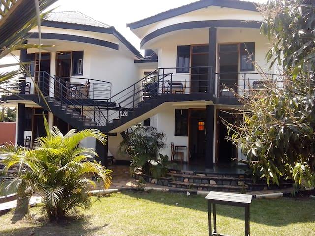 Chel and Vade Apartments - Jinja - Apartment
