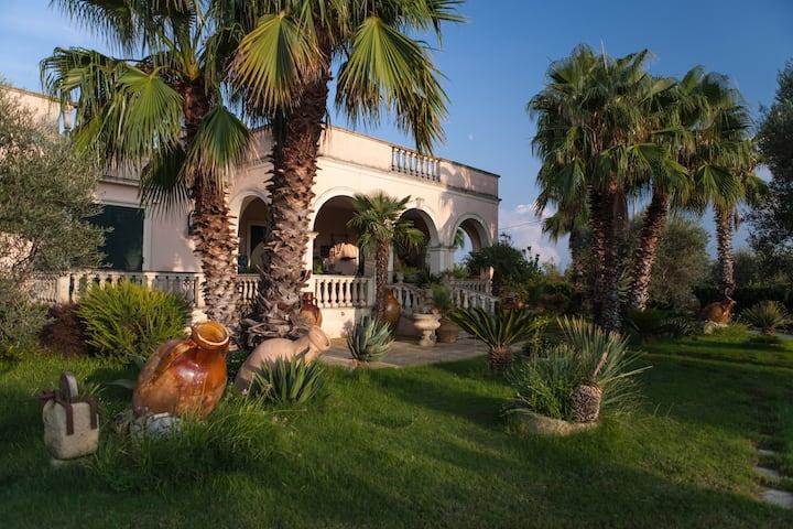 raffinato casale in villa storica  salentina