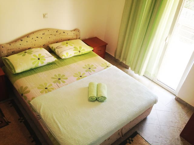 Golden Sun Double bed green apartment - Ulcinj - Daire