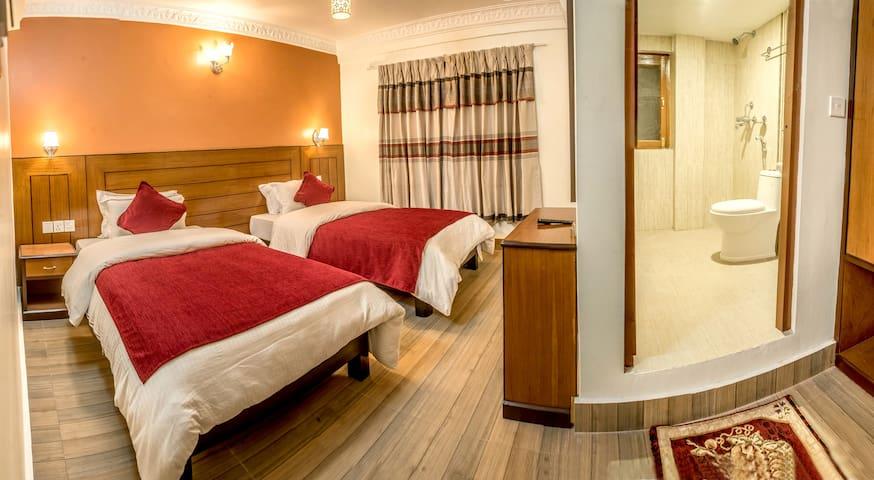 Hotel Silver Oaks Inn - 포카라 - 부티크 호텔