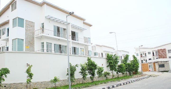 Banana Island, Ikoyi -  Great 2 Bedroom Apartment