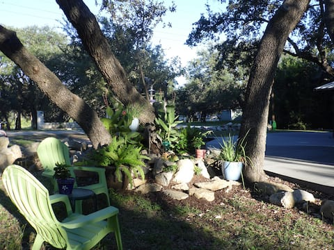 Shady Oaks Cottage by the Winery