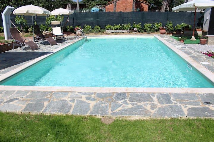 Restored Tuscan Villa Apartment  - Castiglion Fiorentino - Lägenhet