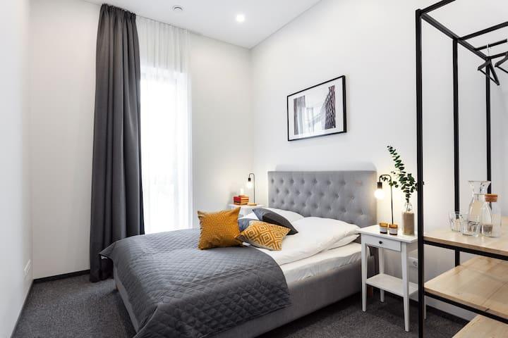 Kaunas Garden Apartments - Deluxe Queen 1
