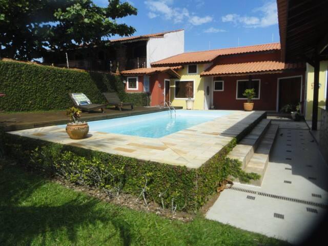 Casa com piscina a 50 metros do mar maisons louer for Piscina 50 metros barcelona