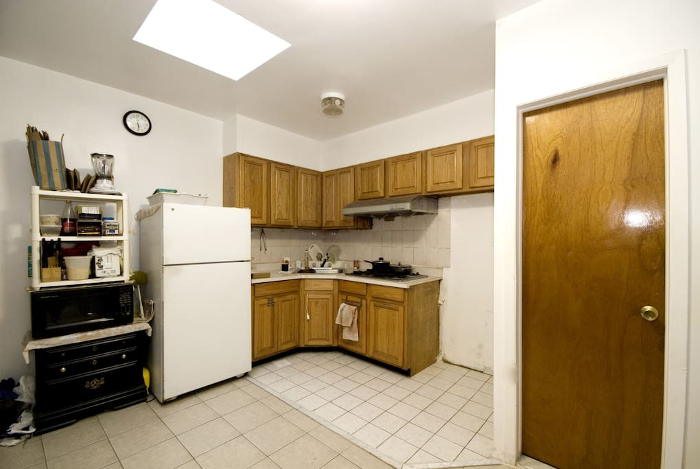 Full Kitchen with all your cooking needs