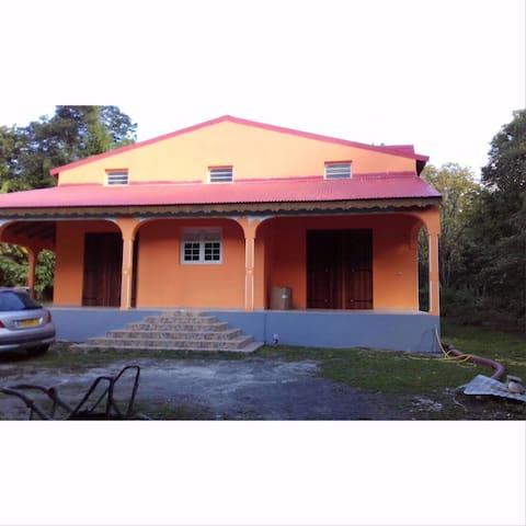 Maison de vacances - Basse-Terre - Dom