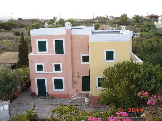 AEGINA Island Holiday FLAT next to Sea Sleeps 4/6 - Nisi - Daire