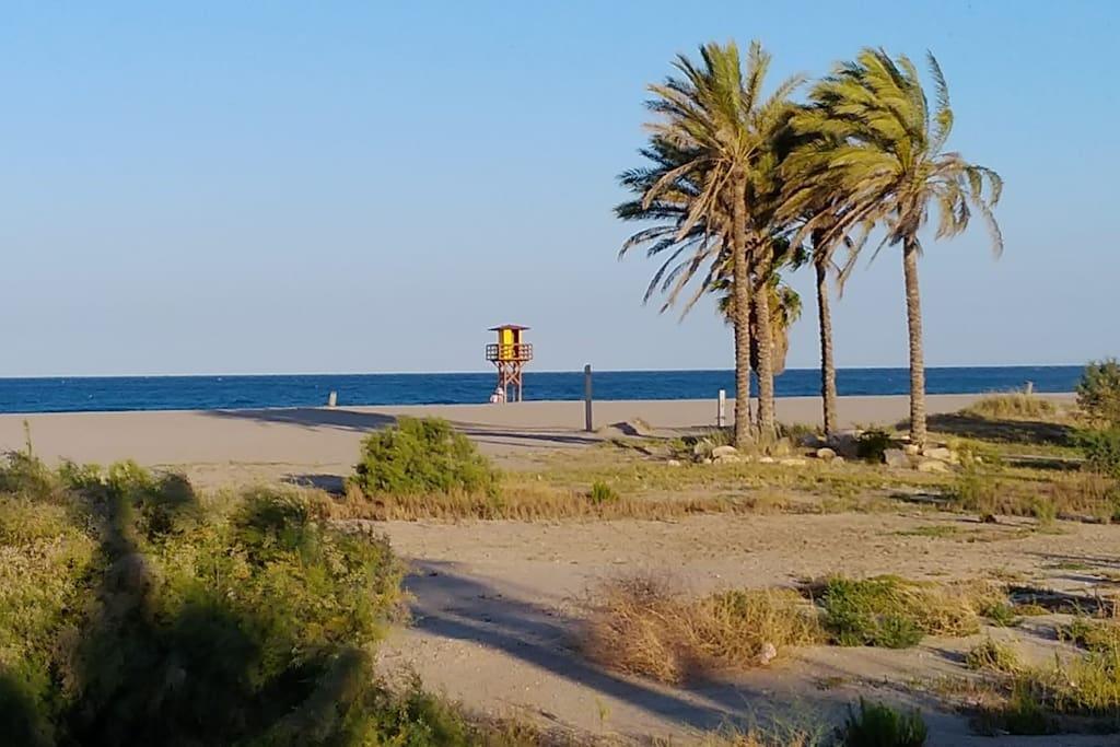 La playa a 3 minutos andando