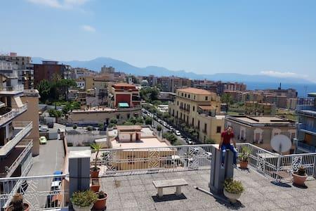 CasaMariaCondo Experience btw Vesuvius,Ruins & Sea
