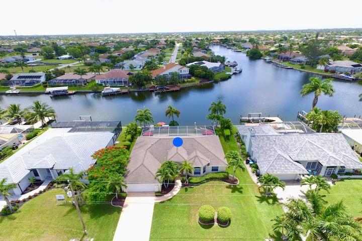 Villa Blue Lagoon, Pool on water and modern taste