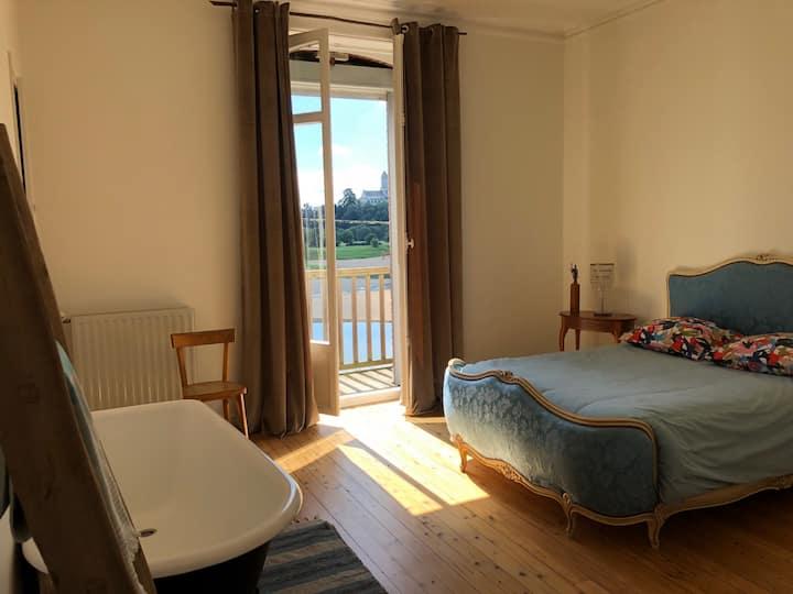 Chambre romantique en bord de Loire