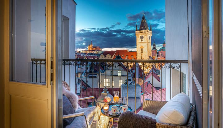 Penthouse | Rooftop Jacuzzi | Balcony Castle V!EW