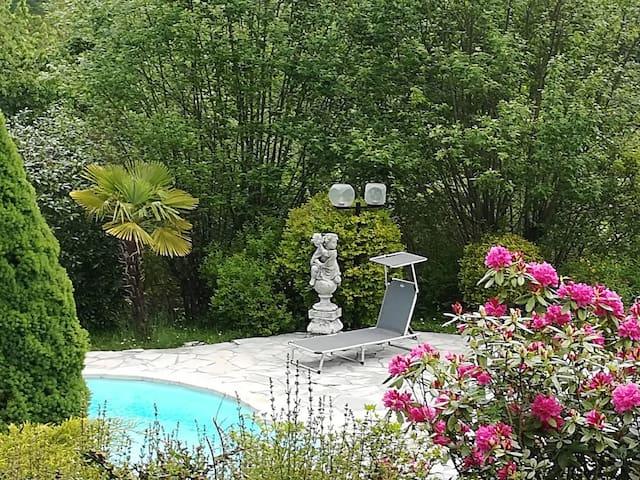 Proche de Foix:  nature, calme, piscine privée