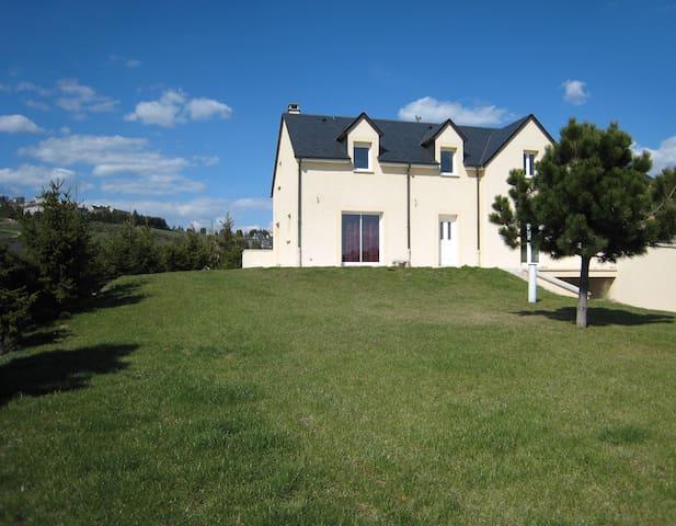 Grande maison en Margeride - Arzenc-de-Randon