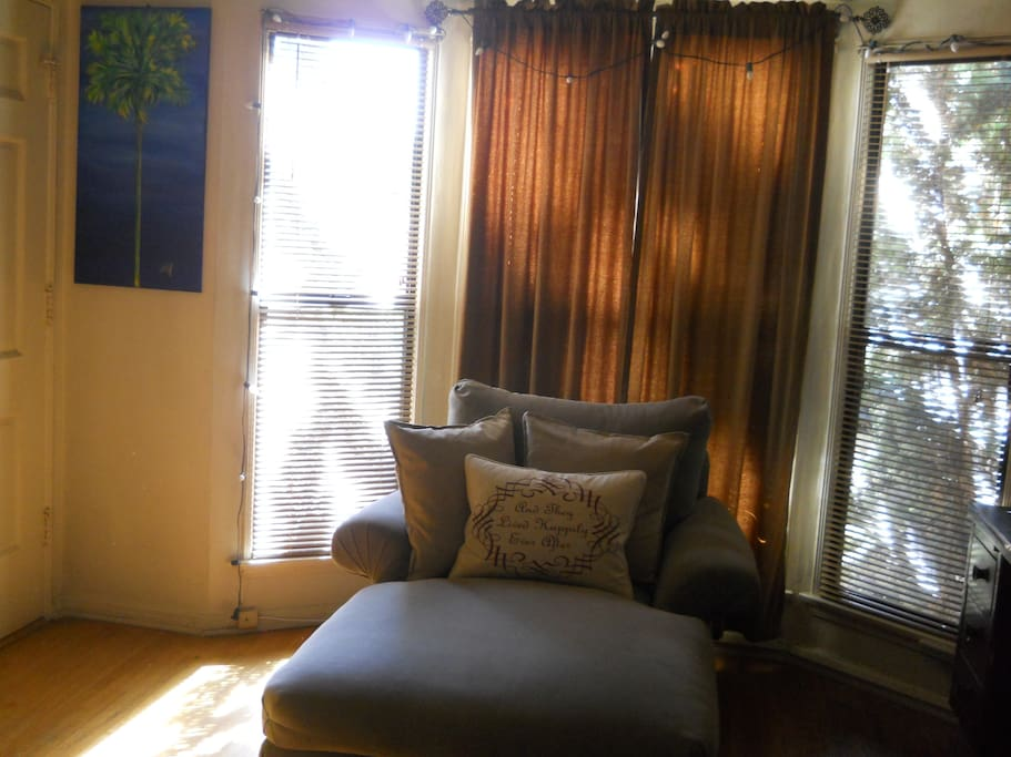 Our guests love lounging on the chaise!
