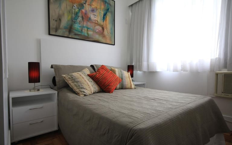 Studio in an elegant spot in Ipanema