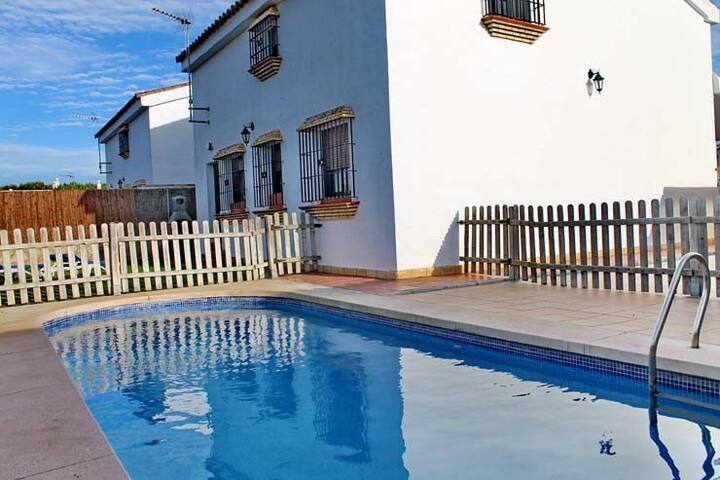 Villa on the beach + pool-Conil (24)