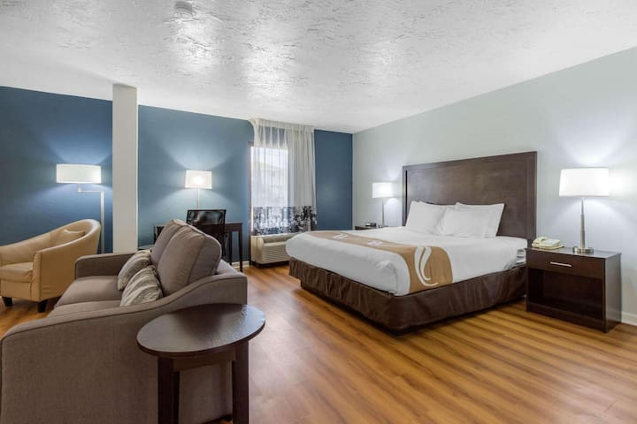 Swanky Double With Double Bed At Kill Devil Hills