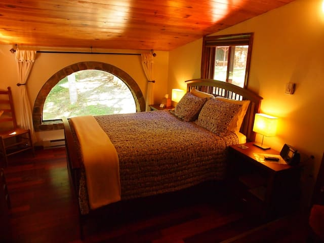 Suite Pea at White Lotus Eco Spa Retreat