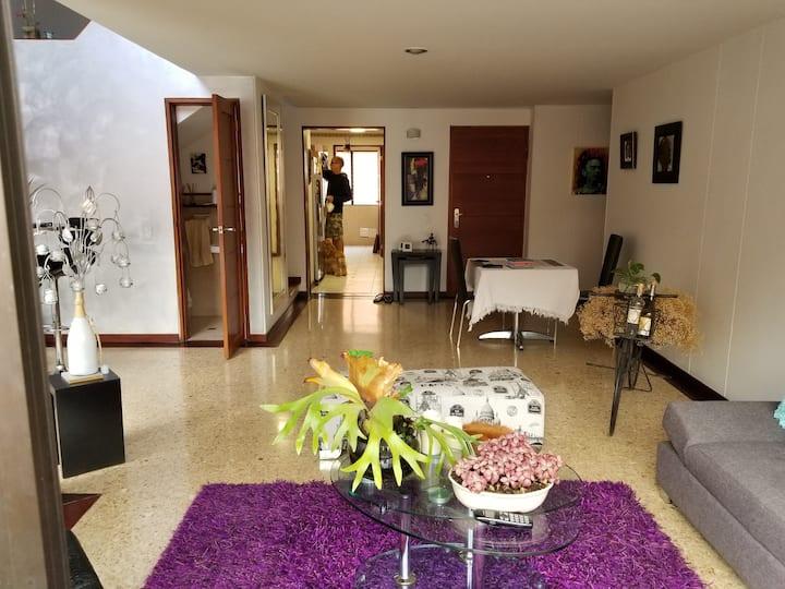 Laureles PH (not a hostel)  Perfect Location - 420