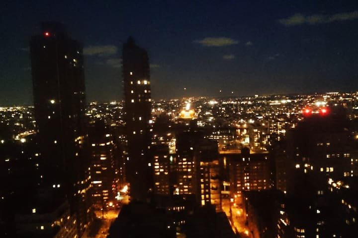 LUXE PRIVATE HUGE 30th FL ONE OF A KIND VIEW! UES