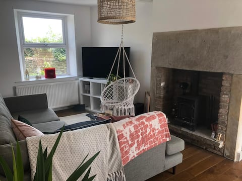 Country cottage in Upper Hopton