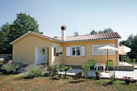 1 Bedroom Home in Marceljani - Marceljani