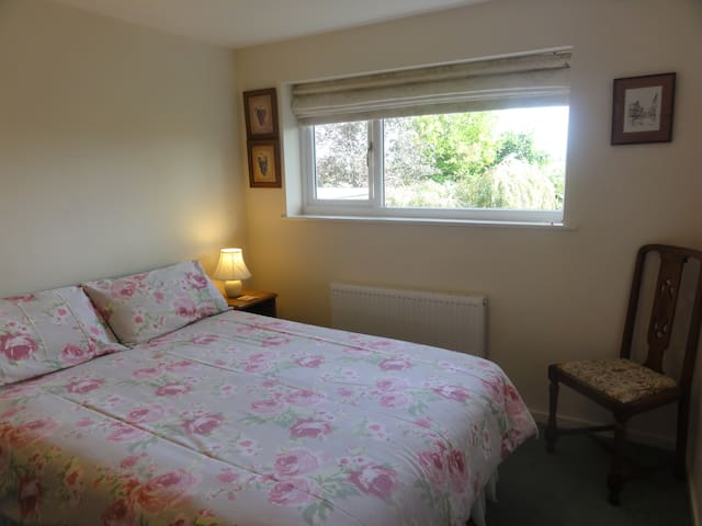 The Birches, Shrewsbury - double room, en-suite