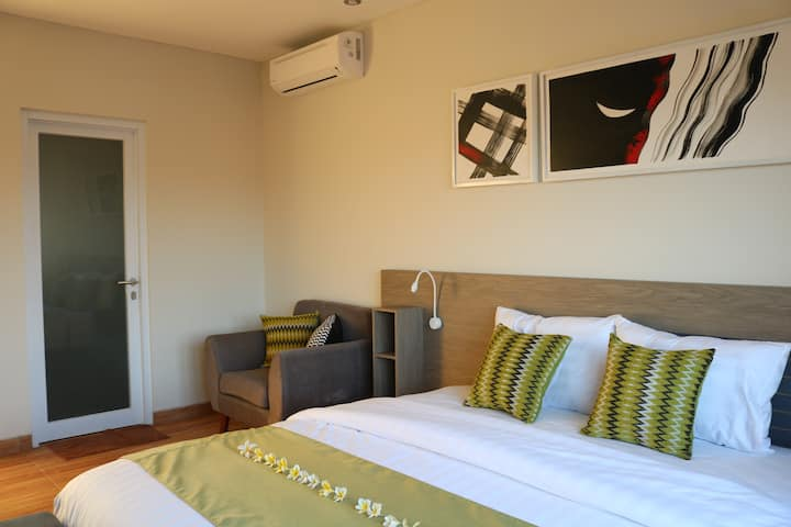 Royal Orchid Lodge (3 Bedrooms)