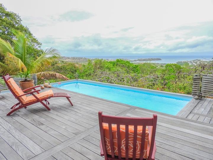 Villa de charme : Piscine, jacuzzi et vue mer