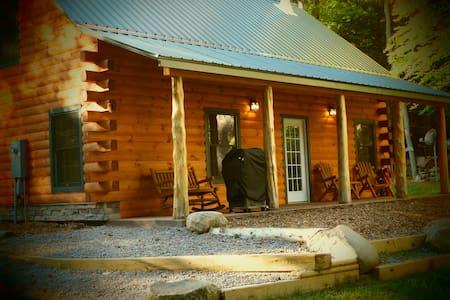 Otter Creek Falls Cabin - Glenfield - Blockhütte