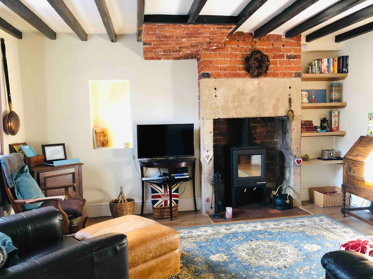 Lovely and cozy front room with new wood burning stove