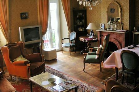 Maison Degoul - Pleaux - Byt