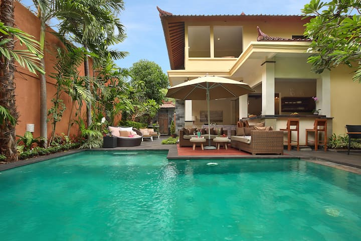 MASSIVE LUXURY! 7 BEDR/7BATH VILLA/2xPOOL SEMINYAK