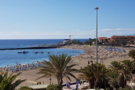 Beachfront luxurious 2BR - Los Cristianos