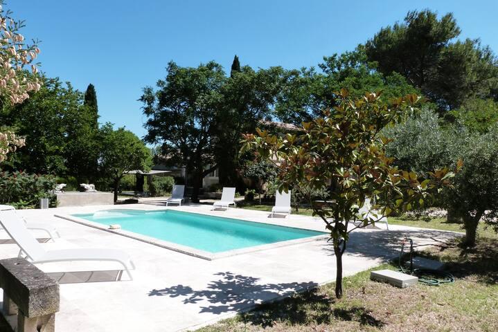 LE MAS DU LAC - Nice House with Pool