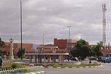 مسكن في بلدة هادءة جنوب المغرب للراحة
